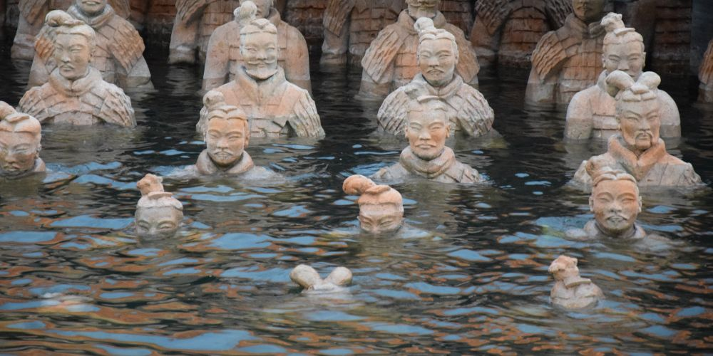A drowning Terracotta Army as part of the stage...